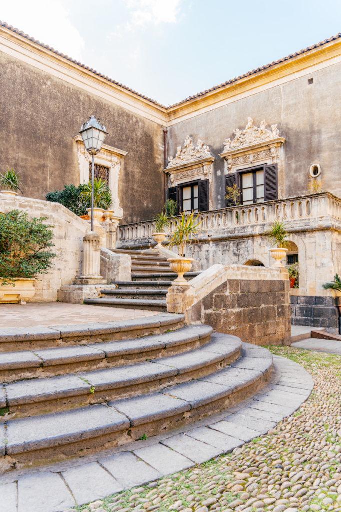 Catania Palazzo Biscari Cortile