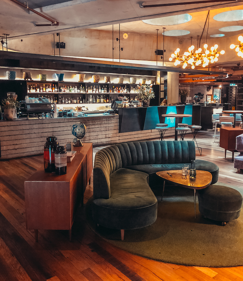 Ovolo Nishi Hotel Canberra Bar Divano